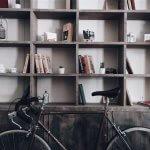 Cum să citești mai multe cărți când ai puțin timp și bani